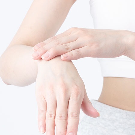 脱毛後の肌ケアを解説!肌に起きやすいトラブルや注意すべきNG行動などのイメージ